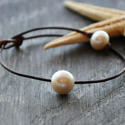 South Shore Pearl and Leather Anklet