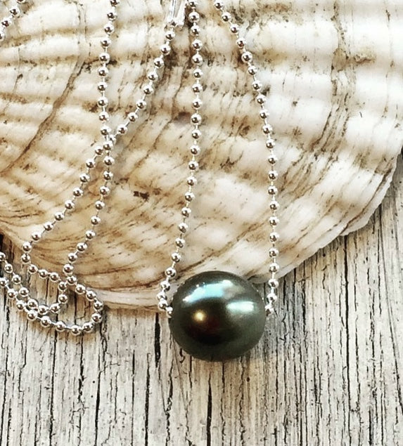 Tahiti Black Pearl on Sterling Chain