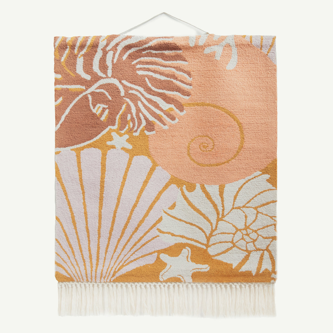 Shells Loop Back Wall Hanging