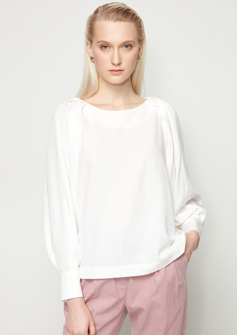 LONG VOLUME-SLEEVED WHITE BLOUSE