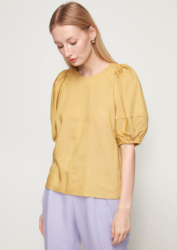 VOLUME-SLEEVED BLOUSE WITH RUFFLE DETAIL