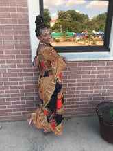 Load image into Gallery viewer, Black dashiki off shoulder jumper
