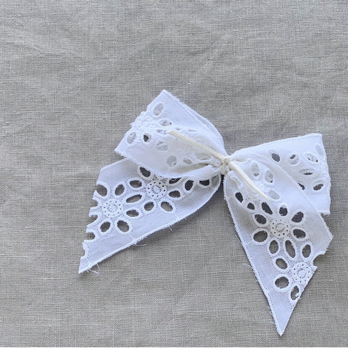 GRACE BOW - White cutwork embroidery