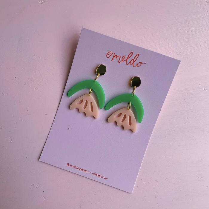 EMELDO - ARLIE EARRINGS // GREEN + PINK