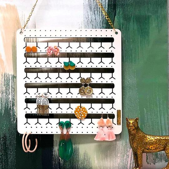 Bon Maxie - Hanging Bunny-Nose Earring Holder