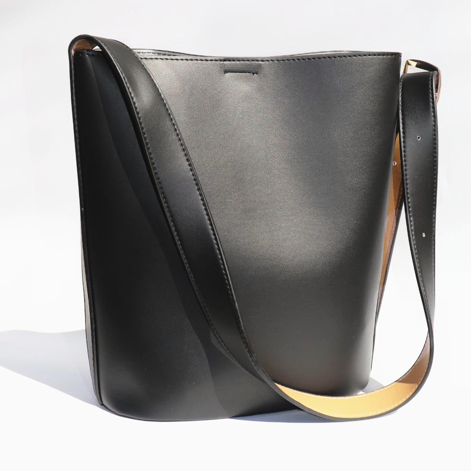 Black Buckle Bag - Chapter