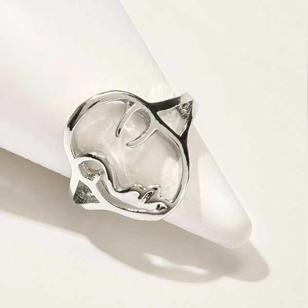 Face Design Ring