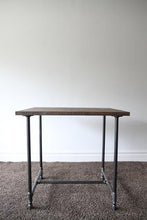 Kárta - Industrial Table