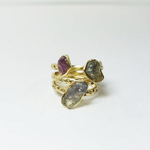 Natural Sapphire & 1mm Diamond x 23 & 2.5mm Diamond x 1 & 14k Gold Ring BLC