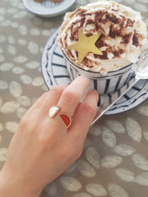 Carnelian & Mother of Pearl & Gold-Plated Silver Ring BC