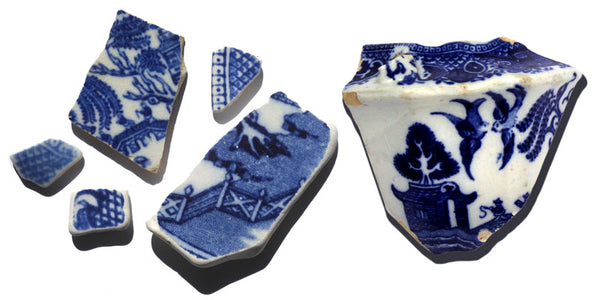 beach pottery blue willow design
