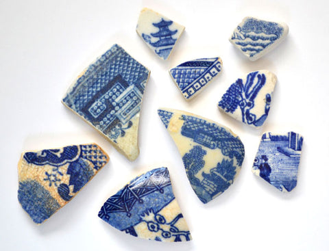 sea pottery blue willow pattern