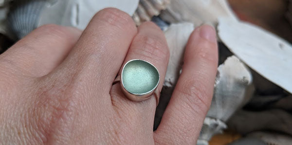 step by step how to for making sea glass ring