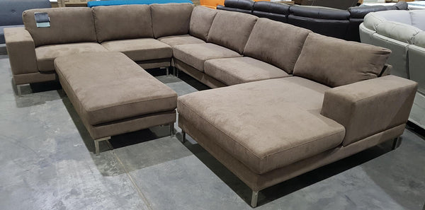 Titanic Huge Family Lounge with Metal Legs