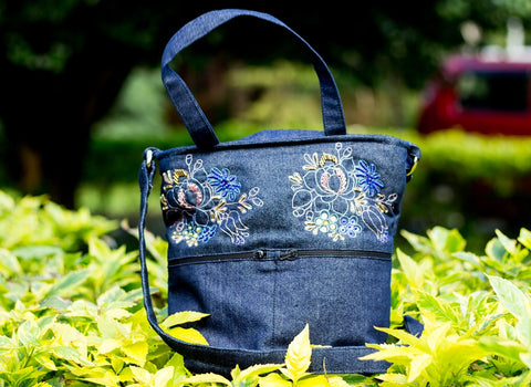 Denim Sling bag with Aari embroidery(Denim Blue)