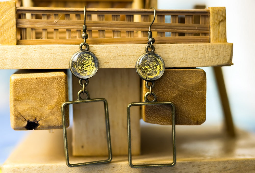Earrings with hand embroidery setting (Golden)