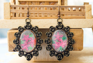 Copy of Earrings with hand embroidery setting (Pink)
