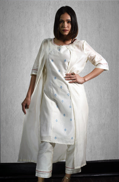 Hand Embroidery Kurta with a Jacket and Trouser in Chanderi Silk (Set of 3)