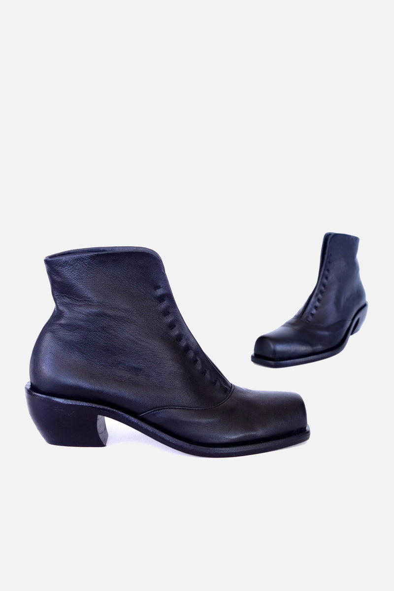 booker & co george maxi boots in black leather at stockroom