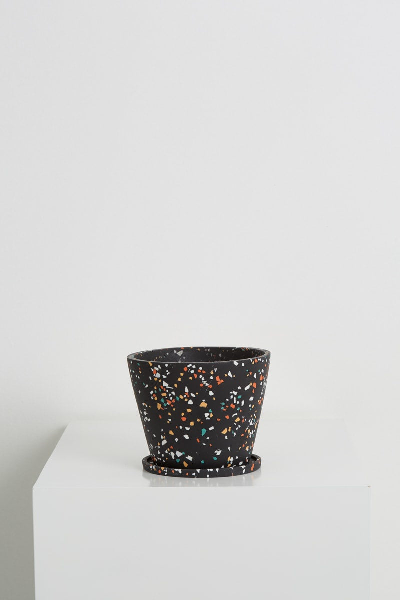 small original pot in black terrazzo