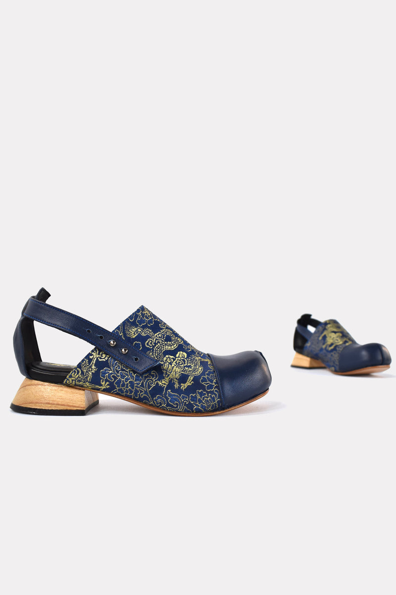 betty sandals in blue brocade