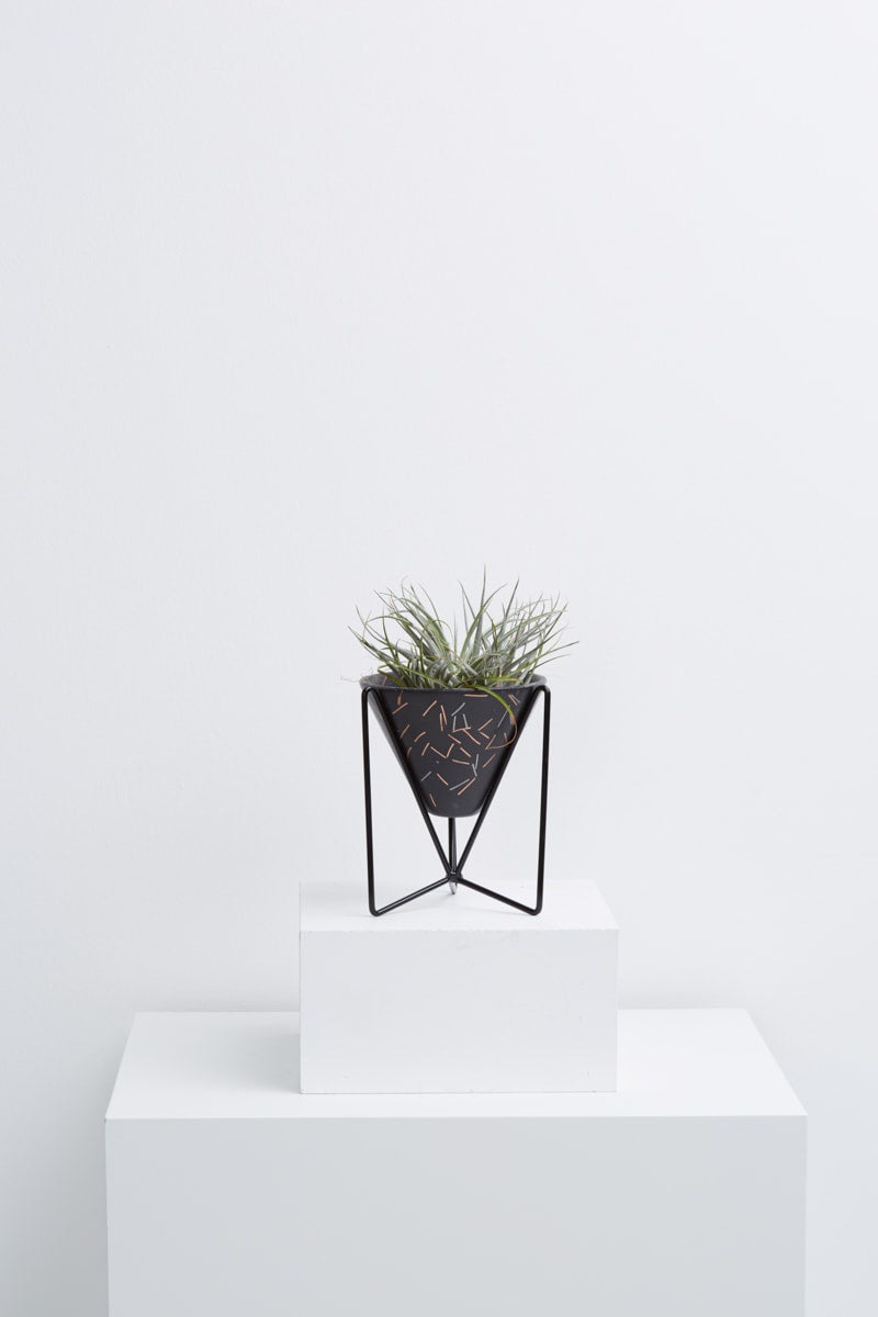 minimo planter in midnight match stick