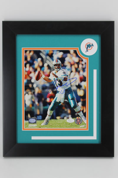 Autographed Football Photos Edition - The Framed 8x10 Series