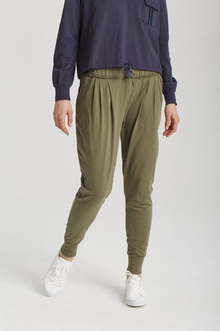 Milla Pant in Clover Green