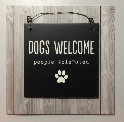 DOGS WELCOME Hanging Plaque & Greetings Card Type 0001