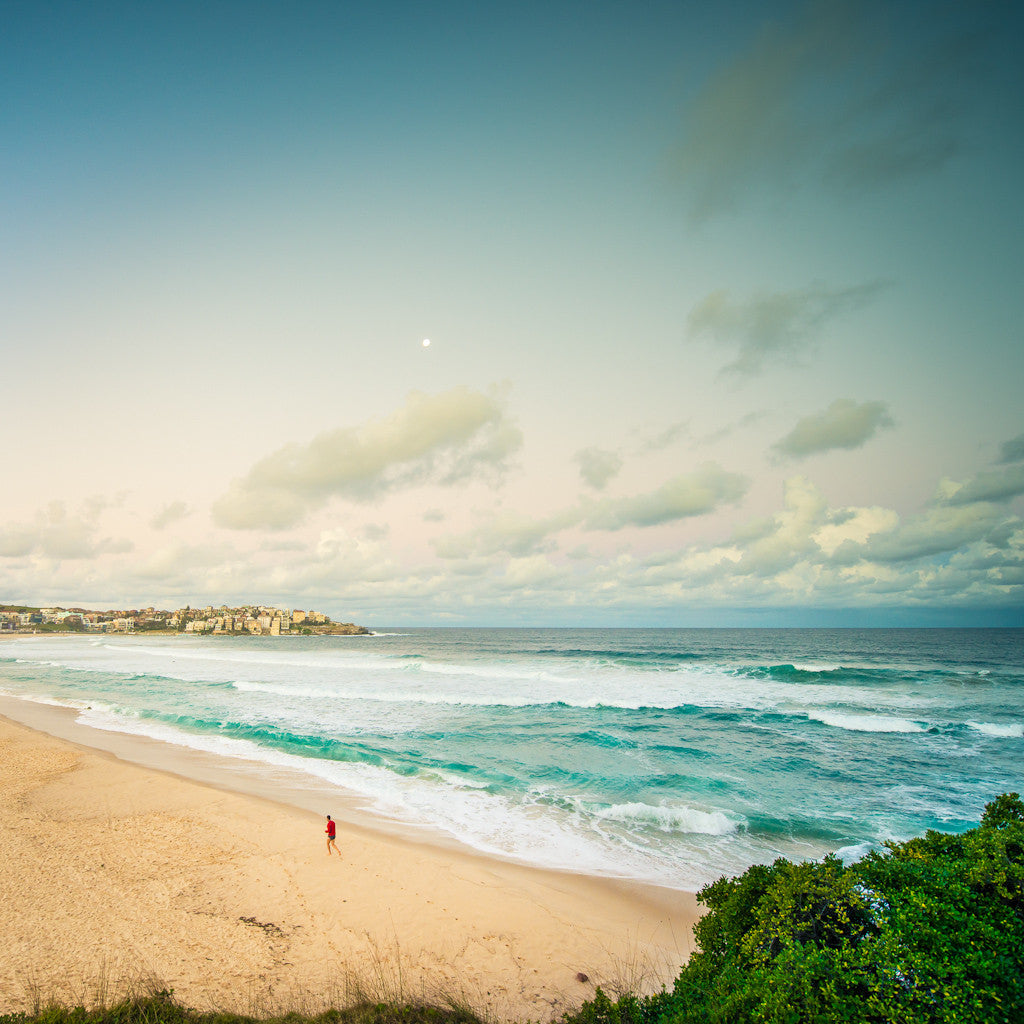 10 Beautiful Shots of Bondi Beach in Sydney, Australia