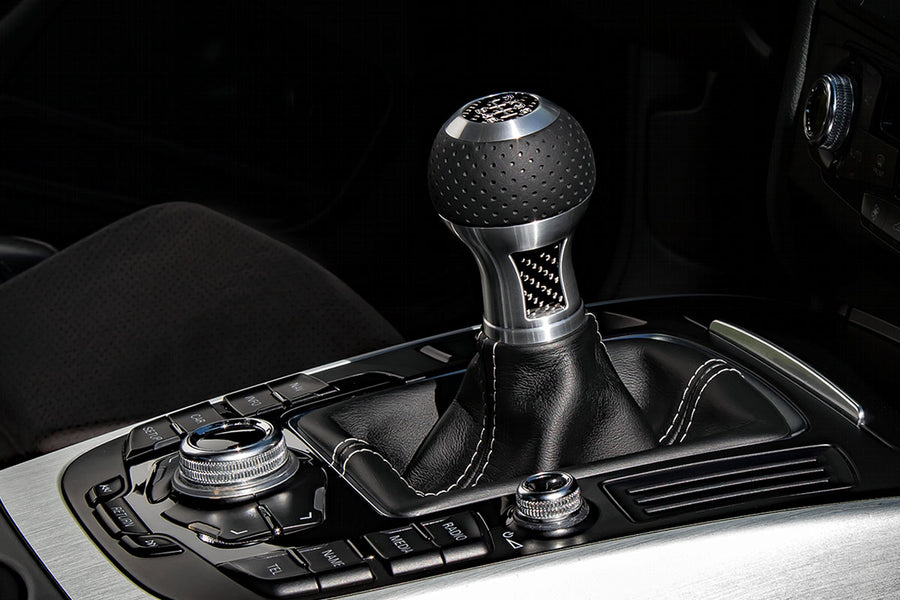 GT2-CF shift knob - Black leather (perforated)