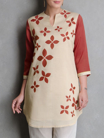 Beige flower dress Kurta Sonal Kabra Sonal Kabra Buy Shop online premium luxury fashion clothing natural fabrics sustainable organic hand made handcrafted artisans craftsmen