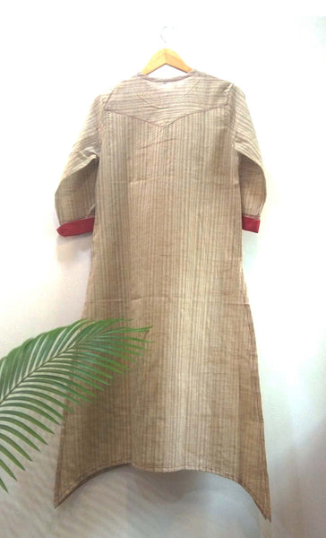 Beige pink comfy kurta Kurta The Neem Tree Sonal Kabra Buy Shop online premium luxury fashion clothing natural fabrics sustainable organic hand made handcrafted artisans craftsmen