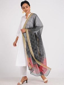 Block printed dupatta Sarees & Stoles Sonal Kabra Sonal Kabra Buy Shop online premium luxury fashion clothing natural fabrics sustainable organic hand made handcrafted artisans craftsmen