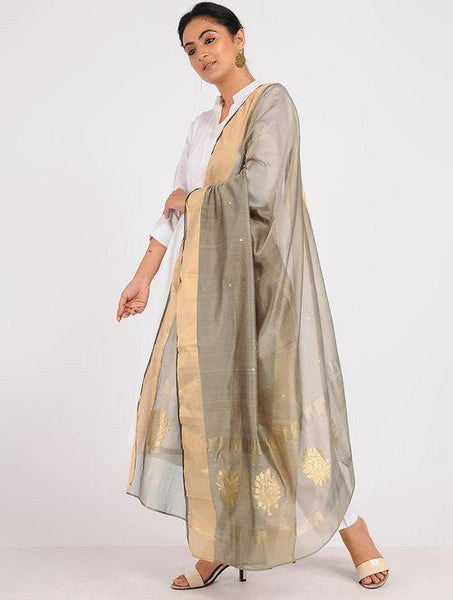 Chanderi zari dupatta Sarees & Stoles Sonal Kabra Sonal Kabra Buy Shop online premium luxury fashion clothing natural fabrics sustainable organic hand made handcrafted artisans craftsmen
