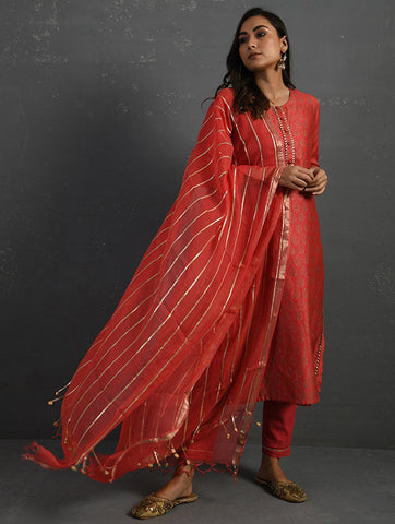 Pink Handwoven Kota Dupatta with Gota Details Dupatta & Stoles The Neem Tree Sonal Kabra Buy Shop online premium luxury fashion clothing natural fabrics sustainable organic hand made handcrafted artisans craftsmen