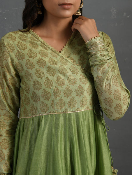 (Set of 2) Green Gota Kissed Chanderi Kurta & Pant Kurta The Neem Tree Sonal Kabra Buy Shop online premium luxury fashion clothing natural fabrics sustainable organic hand made handcrafted artisans craftsmen