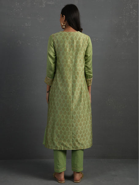 (Set of 3) Green Block Printed Handwoven Chanderi Kurta with Mul Slip and Pants Kurta The Neem Tree Sonal Kabra Buy Shop online premium luxury fashion clothing natural fabrics sustainable organic hand made handcrafted artisans craftsmen