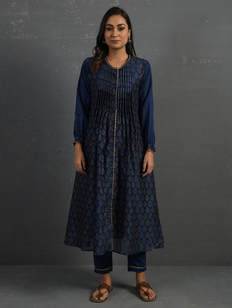(Set of 3) Indigo Block Printed Handwoven Chanderi Kurta with Mul Slip & Pants Kurta The Neem Tree Sonal Kabra Buy Shop online premium luxury fashion clothing natural fabrics sustainable organic hand made handcrafted artisans craftsmen