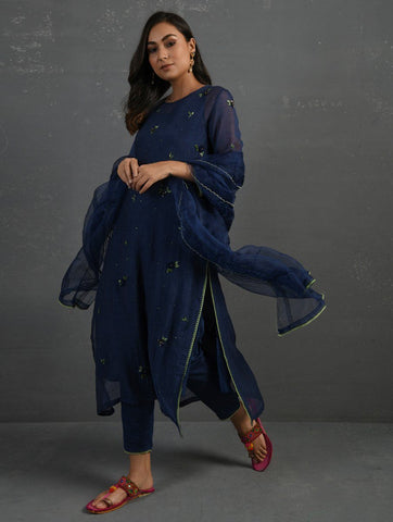 (Set of 4) Indigo Hand embroidered Kurta Set Kurta Set Sonal Kabra Sonal Kabra Buy Shop online premium luxury fashion clothing natural fabrics sustainable organic hand made handcrafted artisans craftsmen