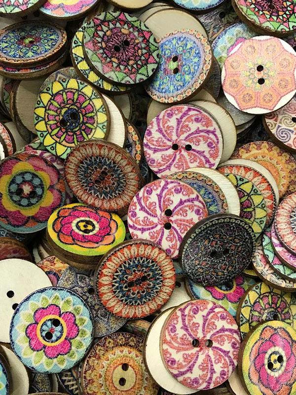 About 100Pcs Multi-Color Wooden Round Sewing Buttons for DIY Craft Decoration