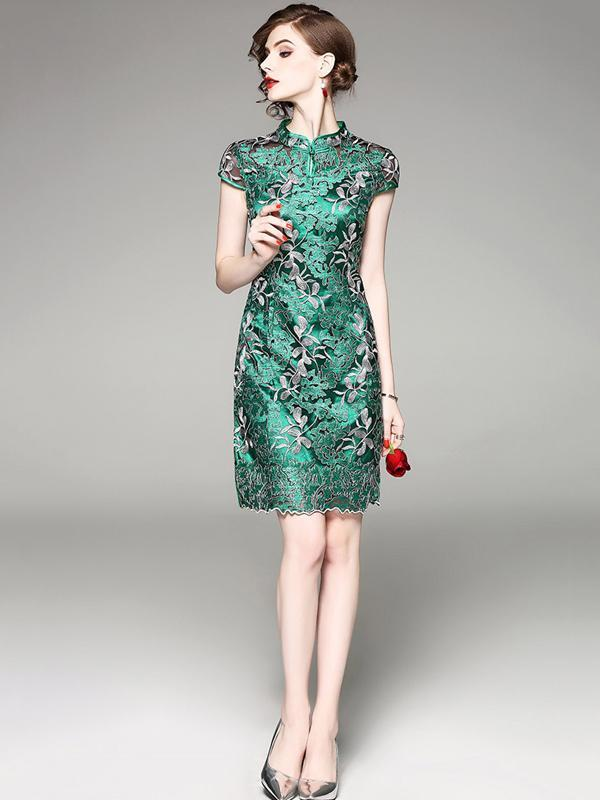 Green Embroidered Stand-collar Short Cheongsam Dress