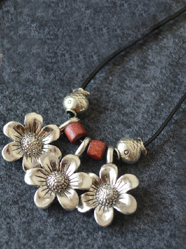 Simple Silver Daisy Pendant Long Necklace