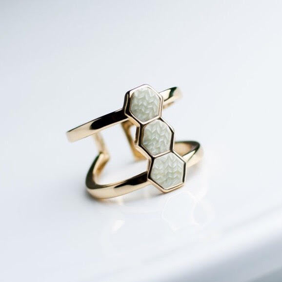 Linen 14K Gold Hexagon Ring