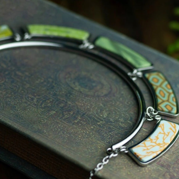 Botanical Silver Green Cleopatra Necklace