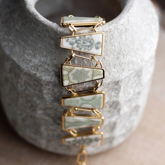 Linen Reversible Gold Triangle Bracelet