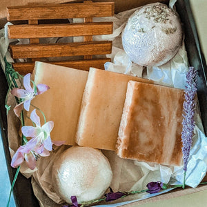 Spa Gift Box, Birthday Gift for Her, Custom Gift Box, Gift for Mom, Gift for Friend, Soap Bars, Bath Bomb, Home Spa Set