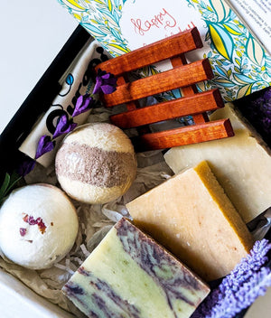 Birthday Gift Box, Gift Basket, Best Friend Gifts, Spa Set, Aromatherapy, Soap Gift, Spa Gift, Gift Box for Mom, Bath Bombs, Bar Soap