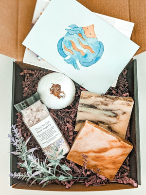 Custom Friend Gift Box, Personal Message, Personalized Gift, Spa Gift Box, Gift Basket for Her, Bath and Body gift, Natural Bodycare Gift
