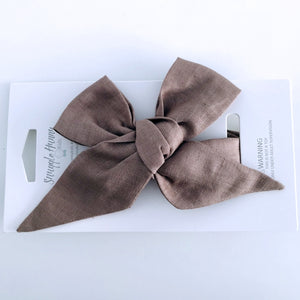 Chocolate linen bow headband for babies and toddlers